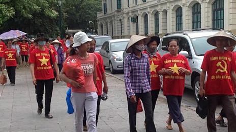 Khiếu kiện đất đai ở Việt Nam
