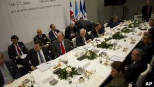 Chefes de Estado reunidos durante a cúpula em Cádiz