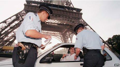 Auto en París