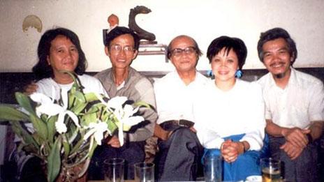Linh mục Chân Tín và bạn bè