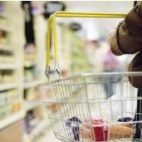 Idosa passa Ano Novo presa em supermercado na França.