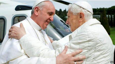 Papa Francisco y Papa Benedicto XVI