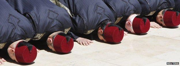 Sunitas rezando