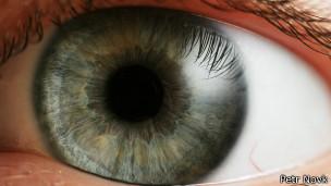 Lentes de contato dão visão telescópica a usuário 084a403f45