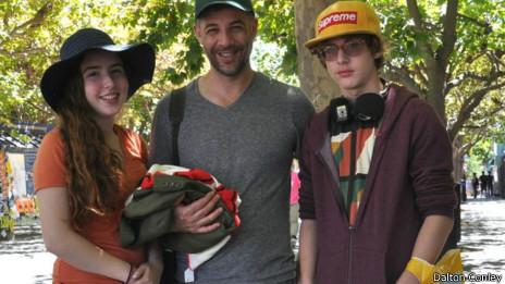 E Harper Nora, Dalton y Yo Xing Heyno Augustus Eisner Alexander Weiser Knuckles Conley.