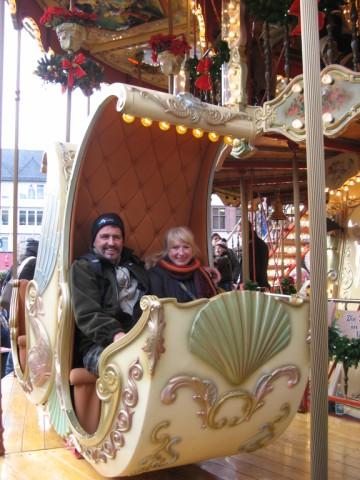 ...hatten sichtlich Spaß auf dem historischen Karusell