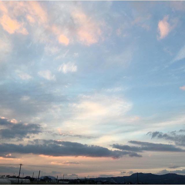 忙しさの中、小休止です。今日もお疲れ様でした。爽やかな冬空です。#イマソラ #mysky #sky #sunset #winter