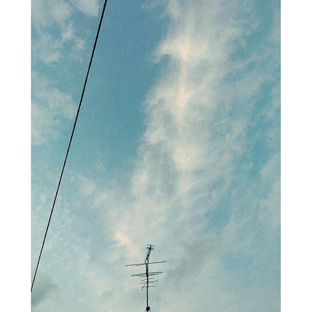 昼過ぎまでの暴風雨が嘘のような、なんでもない1日が終わります。また明日。#イマソラ #mysky #sky #sunset #fine #clouds #line