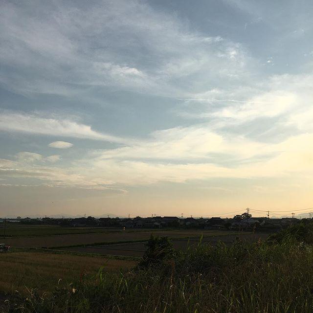 気持ちよくて大好きなところ。今日も忙しかったけど無事に終わりました。また明日#イマソラ #mysky #sky #sunsets #fine #clouds