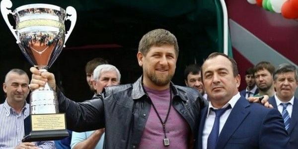 Рамзан Кадыров и Хасмагомед Хизриев. Фото с сайта: http://www.rusfootball.info