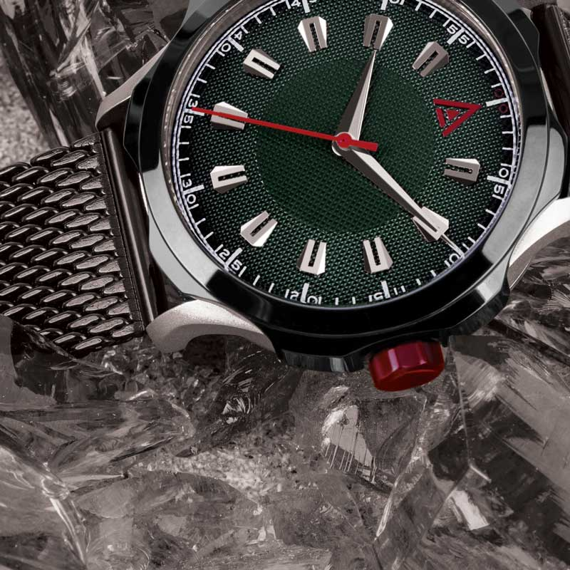 CLASSIC MEN'S WATCHES GREEN CLOSE UP WT AUTHOR