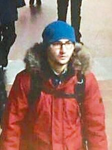 俄國電台取得的畫面顯示,聖彼得堡地鐵恐攻案凶嫌扎里洛夫三日出現在地鐵站。p1155-a1-02Web only