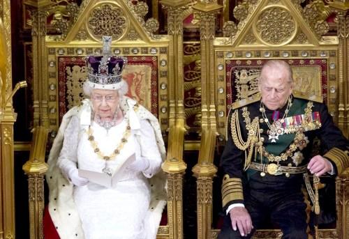 女王伊麗莎白二世的夫婿菲利普親王 p1160-a4-04