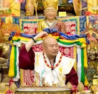 2017年6月17日晚間,美國西雅圖雷藏寺恭請當代法王蓮生活佛盧勝彥主持蓮花童子同修會,四眾弟子齊聚。圖為師尊說法開示。