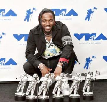 美國「饒舌救世主」之稱的肯卓克拉瑪為最大贏家