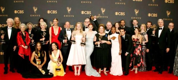 美劇《侍女的故事》奪得最佳劇情類、最佳女主角、最佳導演、最佳編劇和最佳女配角等獎為此次大贏家