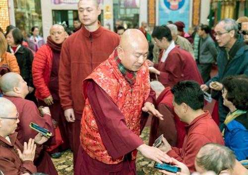 師尊慈悲加持善信佛子