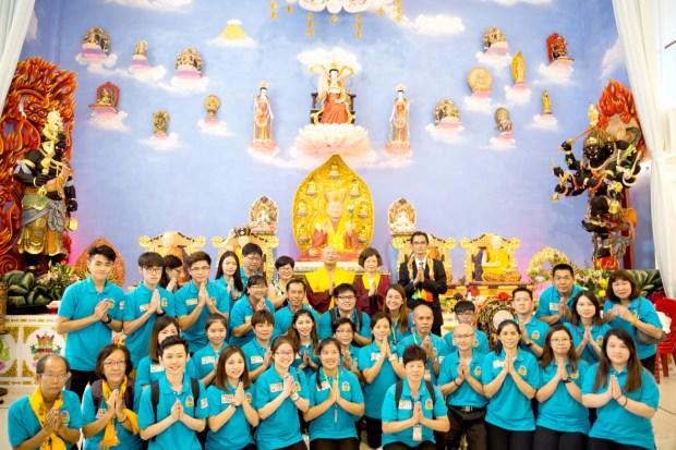 師尊、師母與羅日良律師、黃月琴律師及大馬傳律雷藏寺善信合影