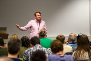 Jasper Knecht teaching classroom_01