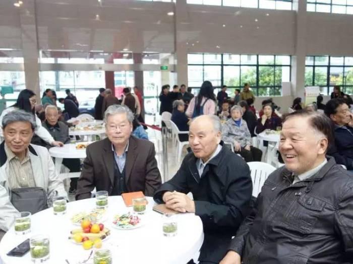 respect the elderly at world tea day3