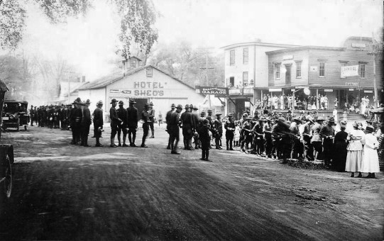 This post World War I welcome-home gathering for members of the American Expeditionary Forces was held in the center of town in front of what is now Cottage Treasures.