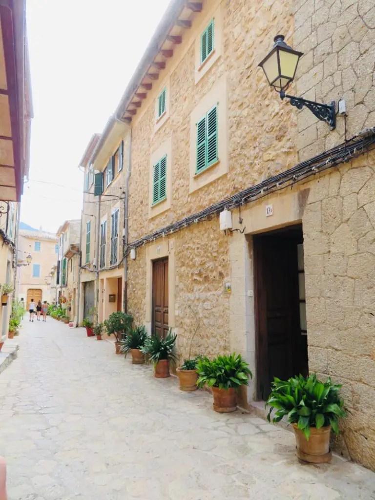 Lege straten in Valdemossa op Mallorca