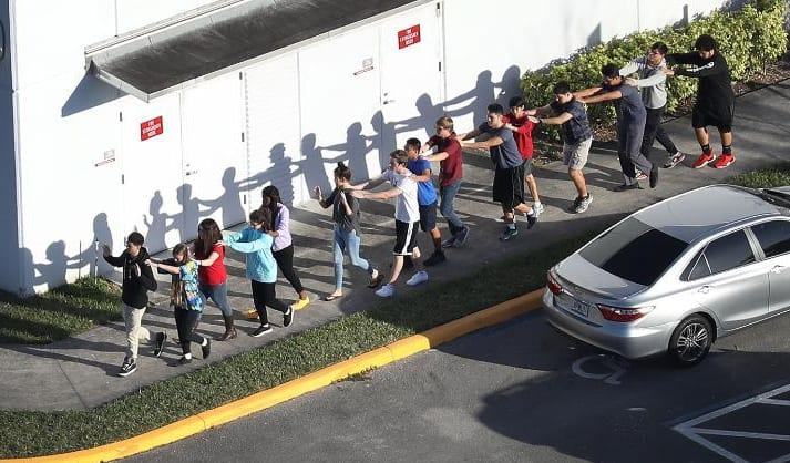 Shooting in United States Florida - 17 killed