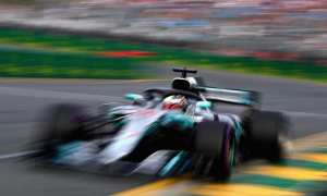 Lewis Storms to Formula 1 2018- Australian Grand Prix pole