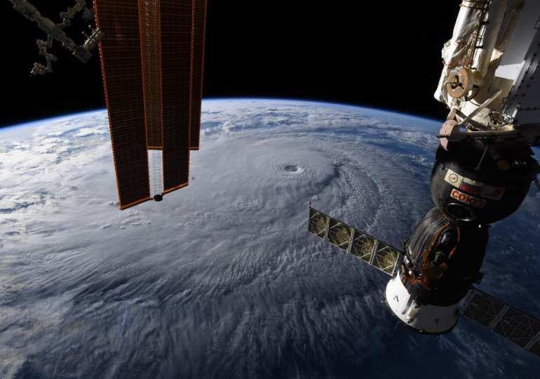 Hawaii braces itself for Category 5 Hurricane