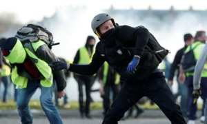 Yellow Vest protesters, demonstrate for the 14th consecutive weekend
