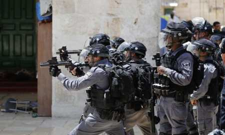 Israeli police fire rubber bullets at Palestinians at Al Aqsa Mosque in Jerusalem in the last few days of Ramadhan