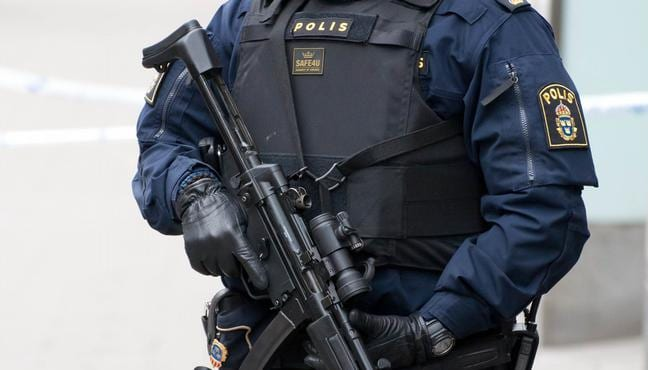 Swedish Police shoot a man threatening to detonate a bomb at station
