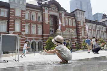 Japan heatwave: 57 dead, 18,000 hospitalised