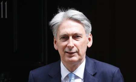 Brexit: Hammond wants 'genuine' negotiations with EU