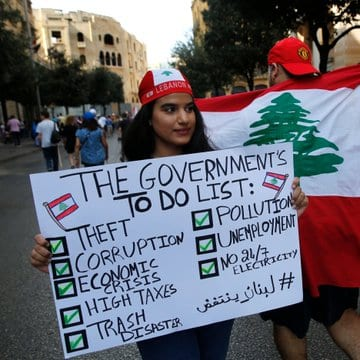 Lebanese protesters reject the president's appeal for talks