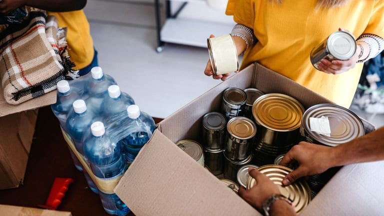 Food banks are giving out the highest number of emergency parcels in five years, Trussell Trust reports