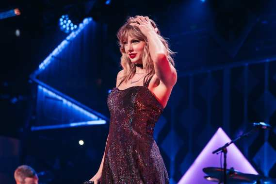 swift to headline glasto