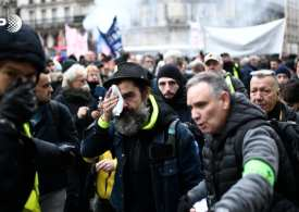 More protests against Macron - As thousands take to the streets in Paris