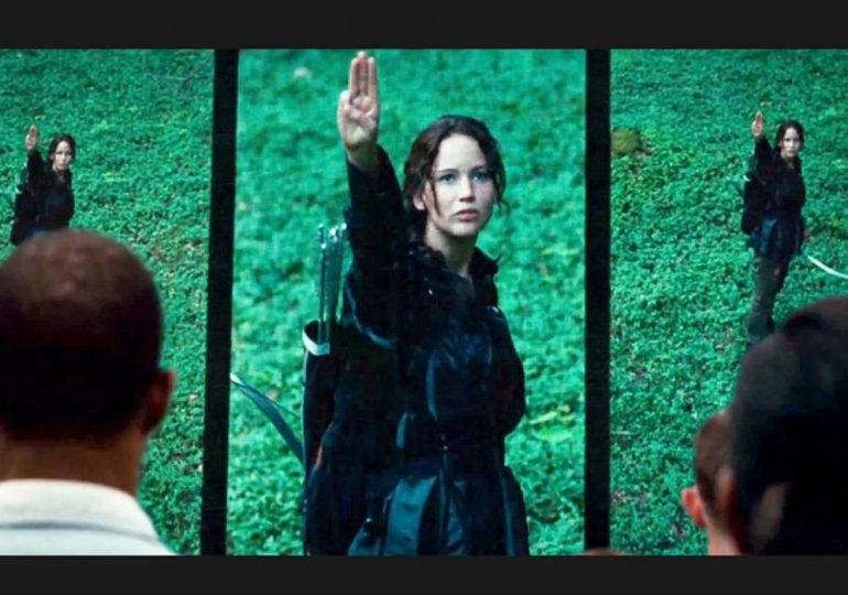 Katniss salute