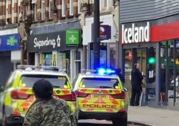 Breaking News: Streatham shooting - Man shot by police after stabbings in London