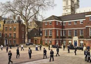 Class sizes limited to 15 and staggered drop-off times for England schools