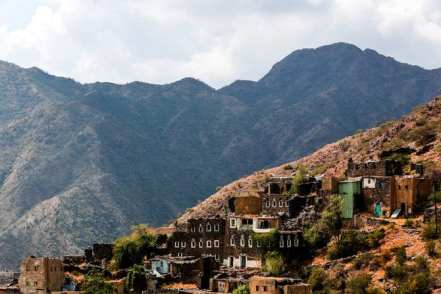 Covid-19 claims 42 more live in Saudi Arabia but critical case rates decreasing