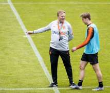 Barcelona set to appoint Koeman as manager after sacking Setien