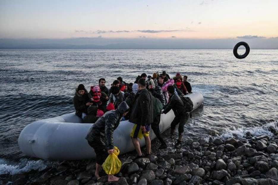Greece abandons migrants at sea