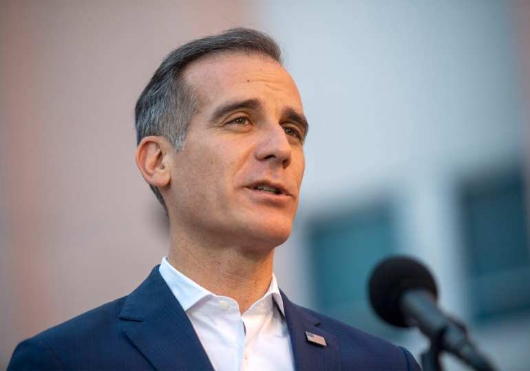 LA mayor threatens to cut power and water supply