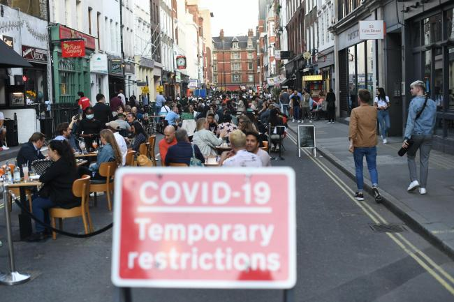 English pubs to close at 10 pm amid Covid-19 spread