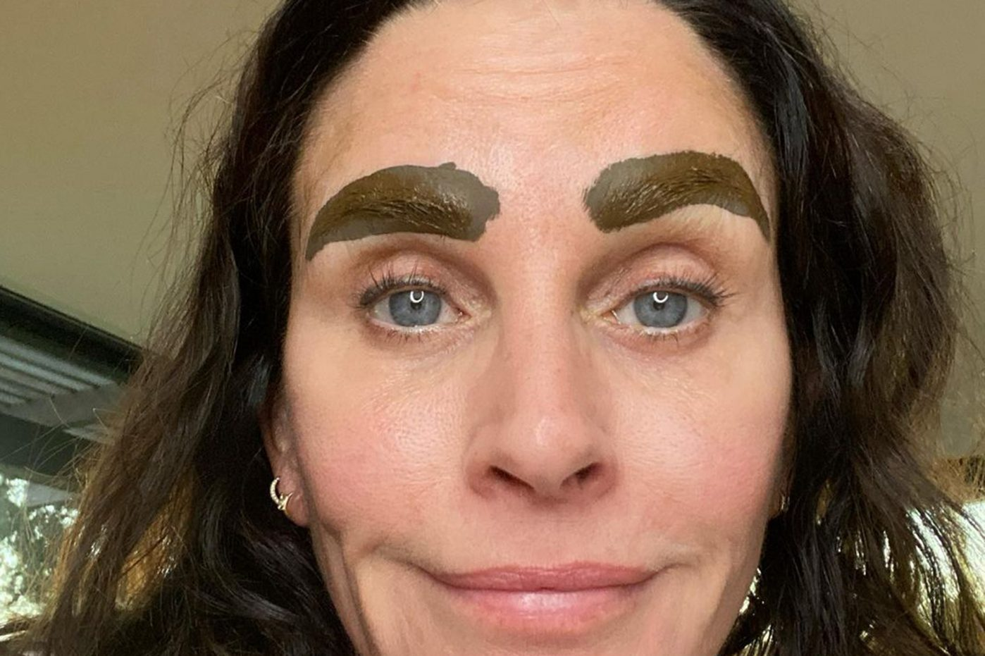 Courtney cox - micro-bladed- eyebrows-brows-beauty-friends