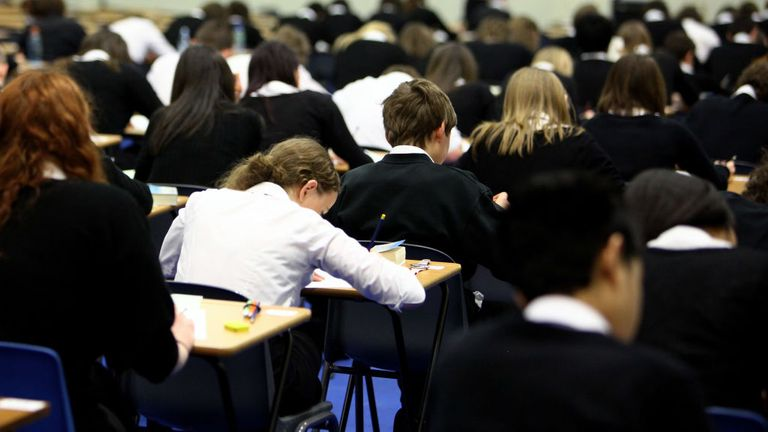 London mayor asks PM to consider closing secondary schools