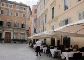 Italy restaurants open as Italy eases restrictions as Museums reopen