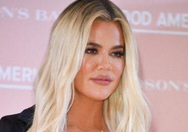 VIDEO: Khloe Kardashian slams 'impossible standards' after trying to delete unedited picture of herself online